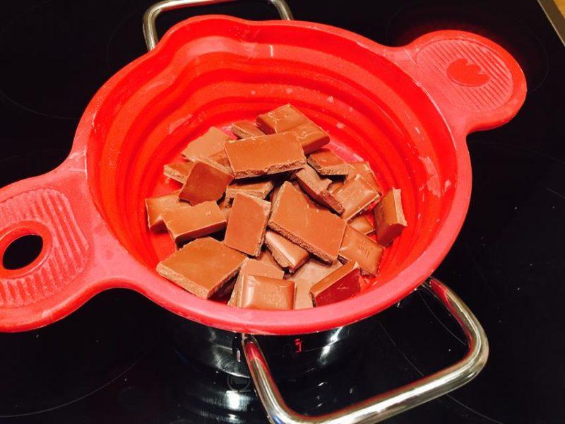 Bitte immer schön langsam das die Schokolade nicht anbrennt