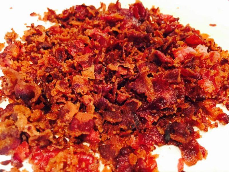 9. Den Bacon für die Plätzchen schön klein machen